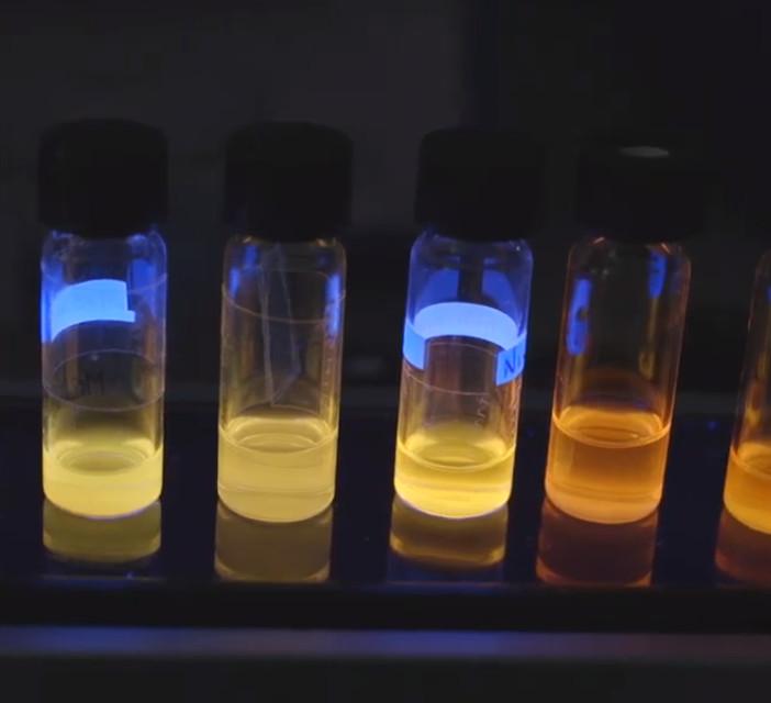 Fabbricazione di nanoscristalli luminescenti